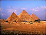 Pulsa en la imagen para verla en tamaño completo  Nombre: Pyramids_of_Giza.jpg Visitas: 3 Tamaño: 520.4 KB ID: 8839